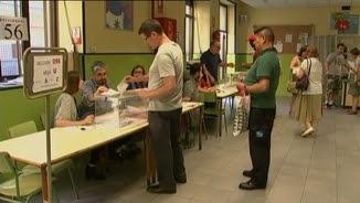 Primers votants als col·legis electorals
