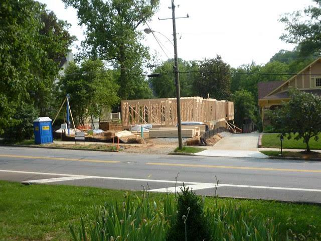 P1110515-2011-06-05-Morningside-teardown-1st-floor-framing