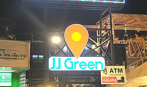 JJ Green & The New Rot Fai Market Ratchada di Bangkok