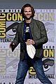 jensen ackles jared padalecki tease supernatural season 13 at comic con 01