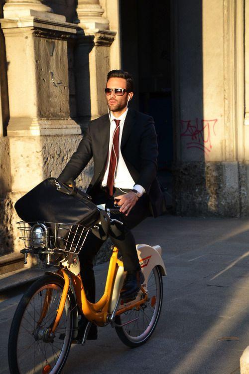 ♂ Man on a bike