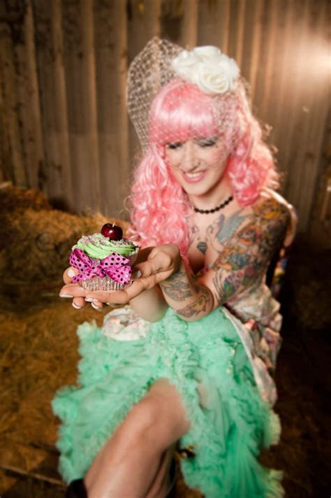 Horses, Rainbow Brights & a Tattooed Bride · Rock n Roll Bride