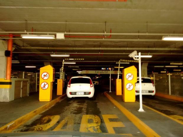 Estacionamento do shopping Salvador, na capital baiana. (Foto: Maiana Belo/G1 Bahia)