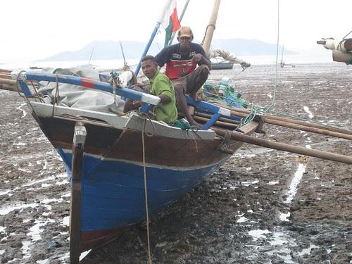 cargo canoe on beach Hellville