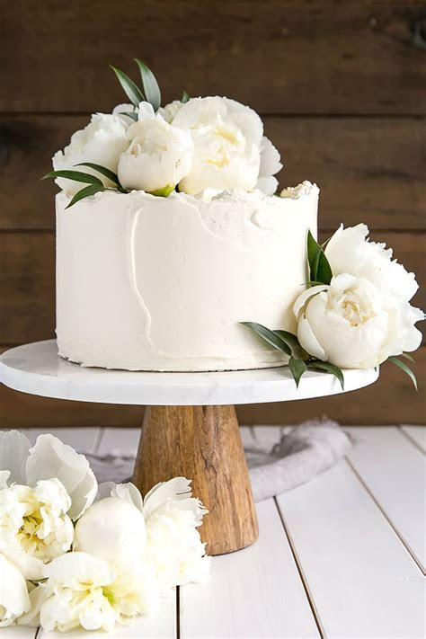 Lemon Elderflower Cake (Copycat Royal Wedding Cake)   Liv