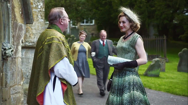 father.brown.lady.felicia.green.dress.no.stole