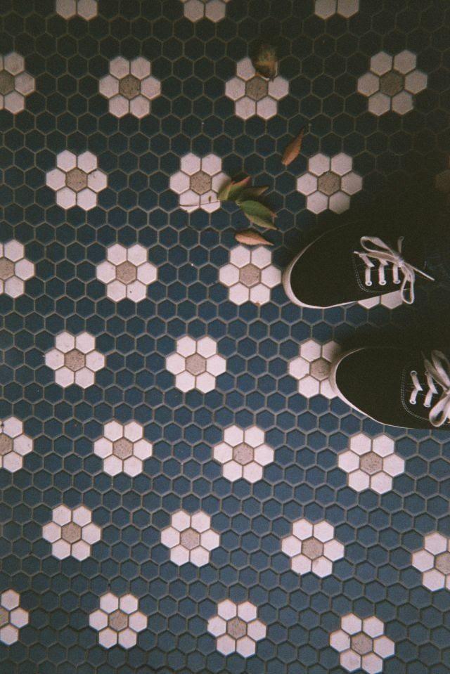 flower pattern tile floor