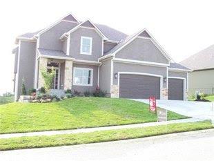 9100 N Oxford Ave, Kansas City, MO 64157