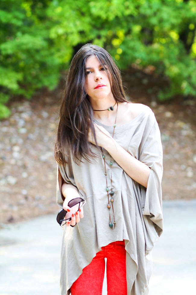 Camel Cape, Red Skinny Jeans, Converse All Star, New York Fashion Week