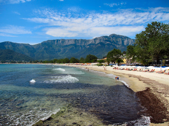 http://static.fanpage.it.s3.amazonaws.com/travelfanpage/wp-content/uploads/2012/07/Thassos-Golden-Beach.jpg
