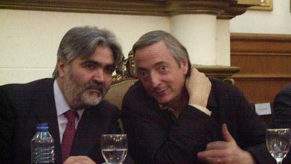 Néstor Kirchner y Sergio Acevedo en 2004 en el sur. Foto archivo Clarín.