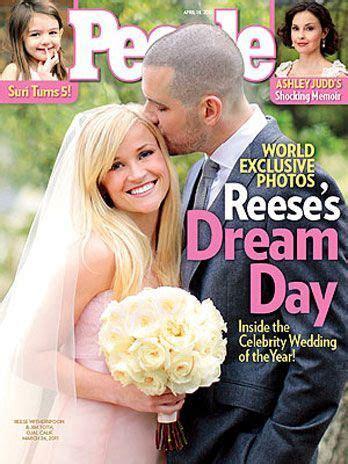 Atriz Reese Witherspoon leva filhos para lua de mel
