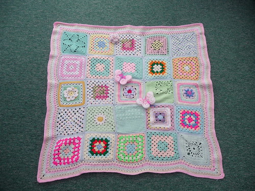 Thanks to 'jean nock' for assembling. Thanks everyone for sending in such pretty Squares!