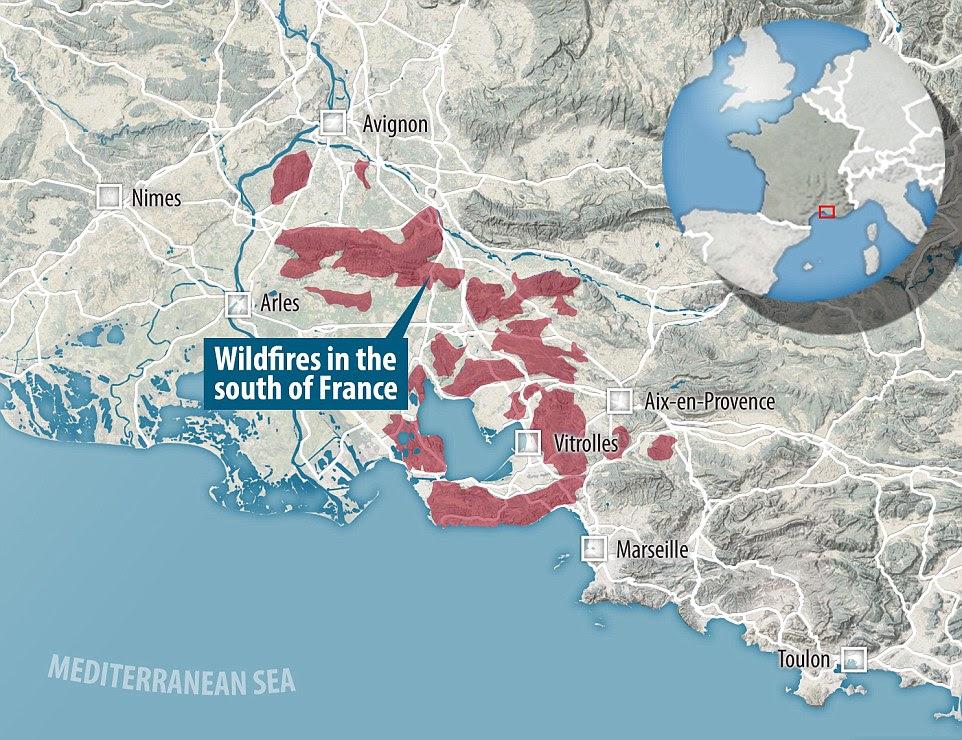 Os incêndios devastaram uma grande área no sul da França e os ventos dominantes estão ameaçando enviá-los para o leste na direcção de Marselha e da histórica cidade de Aix-en-Provence