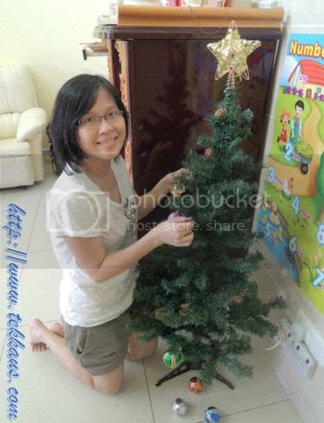 photo 08OurVeryFirstChristmasTree_zps3209bcd2.jpg