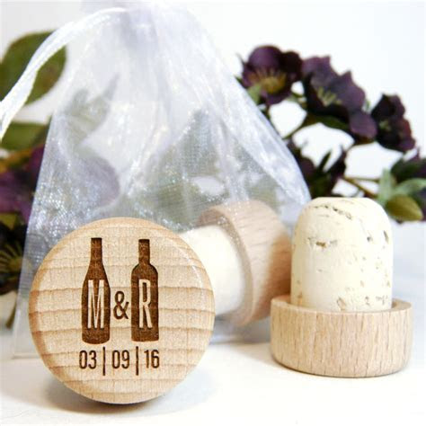 Discount Laser Engraved Wood Wine Stopper Wedding Favors