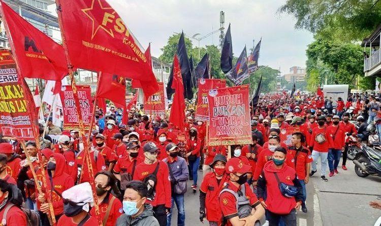 Upah Minimum Tahun 2021 Tidak Naik, Buruh Ancam Untuk ...