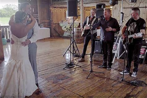 Rascal Flatts Crash Wedding to Sing Couple's First Dance Song