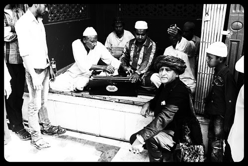 Qawwali At The Holy Shrine Of Makhdhoom Shah Baba Mahim by firoze shakir photographerno1