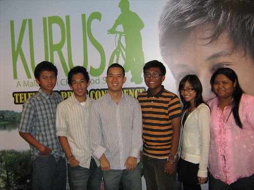 The director and the teenage cast of KURUS