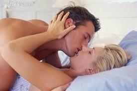 في أى مكان موناليزا الملوك اجمل بوسه ساخنه متحركه على السرير ...