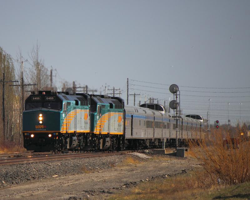 VIA 6405 changing tracks in Winnipeg
