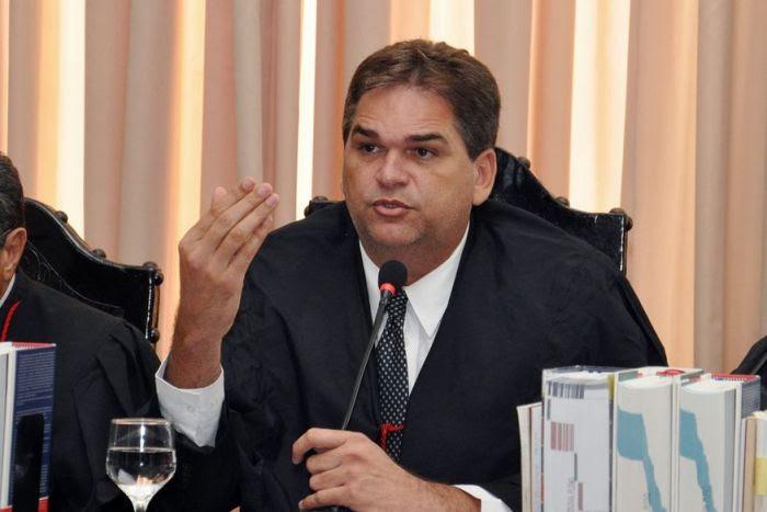 """Desembargador suspende Lei Seca e libera """"birita"""" no dia da eleição"""
