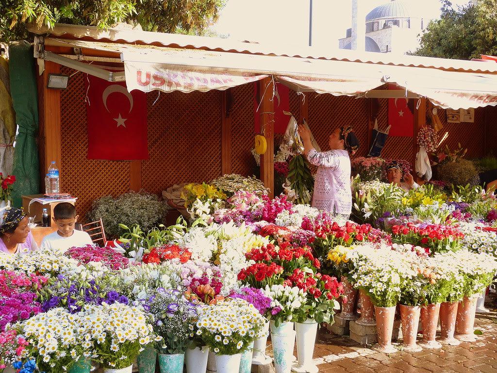flower vendor in Uskudar