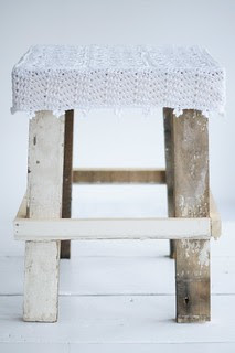 wood & wool stool gina [snowy white stool]