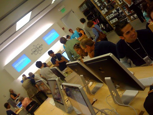 Apple Store is really busy