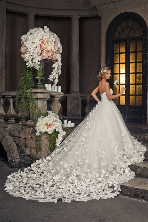 How Long Wedding Dress Should Be: Tips on Choosing the