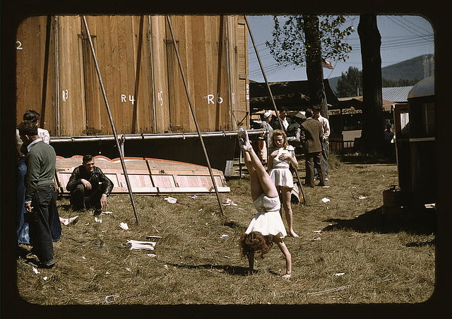 """At the Vermont state fair, Rutland, """"backstage"""" at the """"girlie"""" show (LOC)"""