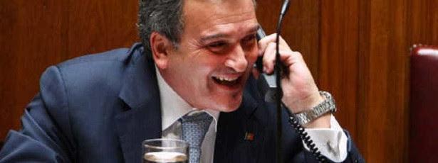 Relvas teve conta de telemóvel paga por autarquia durante 10 anos