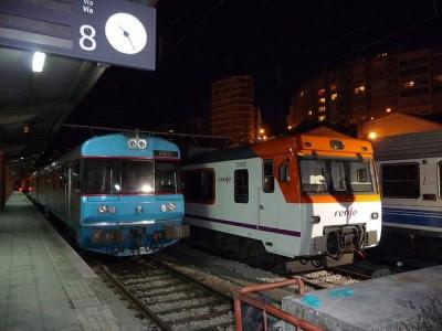 Automotora da CP na estação de Vigo, 1 de Maio de 2009 - Foto Septem Trionis/Flickr