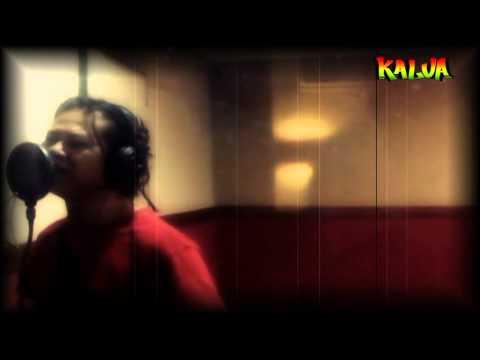 "Ngayal Lagi Lirik dan Cord Gitar "" Kalua Feat Toni Q"