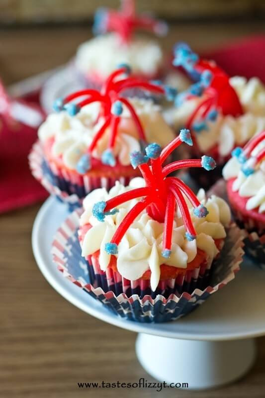 Twizzler Firecracker Cupcakes {Cute July 4th Cupcake Idea for Kids to Make}