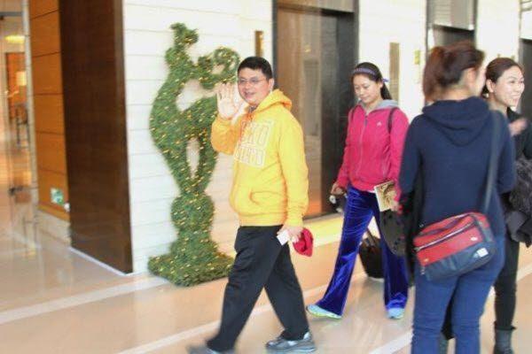 肖建华在香港四季酒店 网络图片