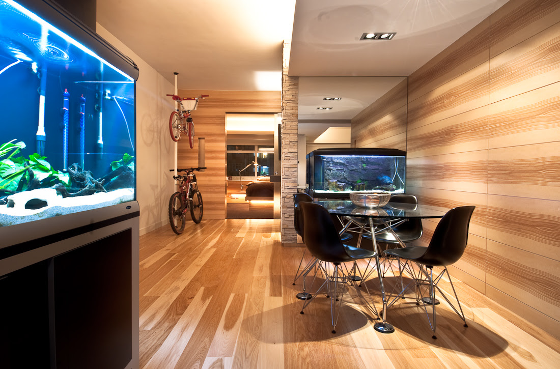 Wooden Apartment In Hong Kong