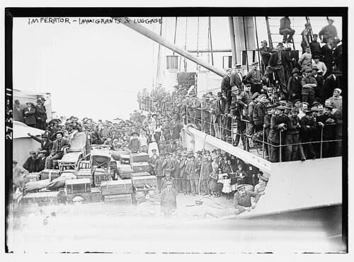 IMPERATOR - Immigrants & luggage (LOC)