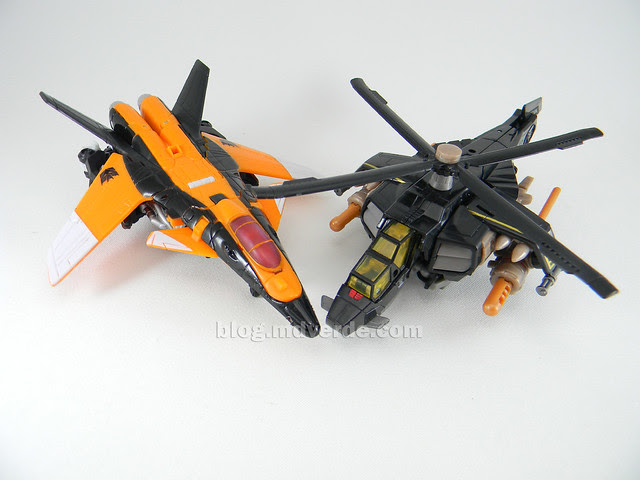 Transformers Tomahawk Hunt for the Decepticons Deluxe - modo alterno vs Terradive