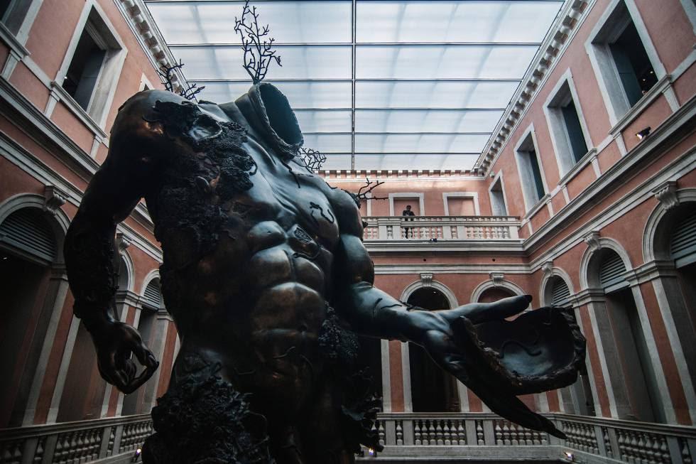 Una de las obras de Hirst expuestas en el Palacio Grassi de Venecia.