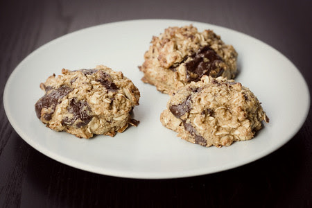 Choc Chunk Peanut Oat Cookie (2)