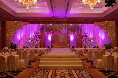 How important is the decoration of a wedding ? Wedding