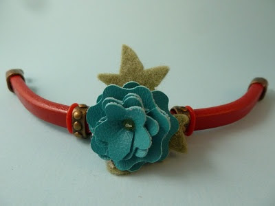 How to make a @Cousin slide bracelet with Flower, Layers #9 and faux leather. #jewelry