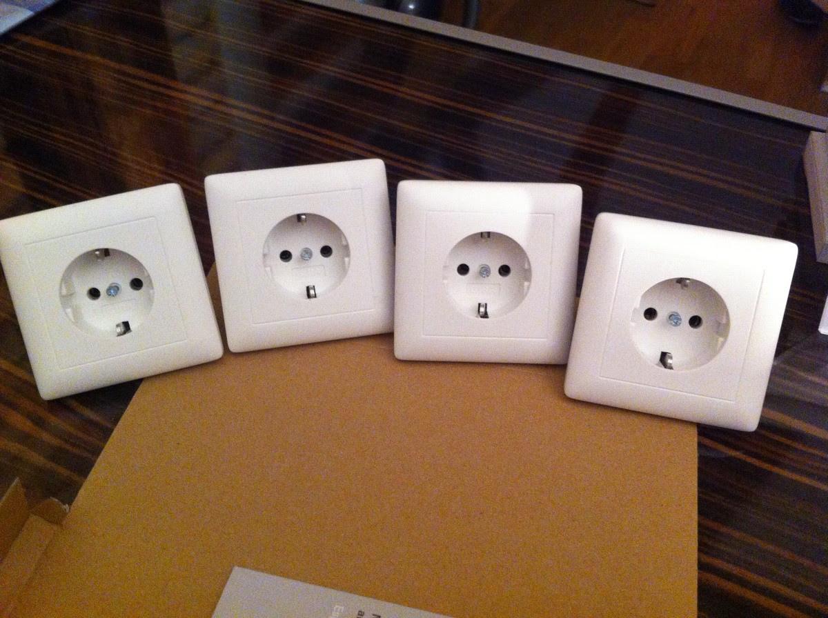 Einzelsteckdosen kompakt weiß