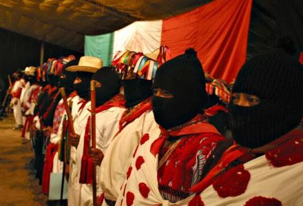Mujeres zapatistas en Oventic, Chiapas. Foto: Janet Schwartz