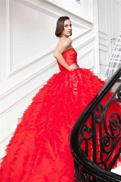 30 Hot Red Wedding Dresses For Daring Brides   Weddingomania