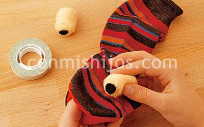 Marioneta calcetín. Manualidades infantiles. Paso 5