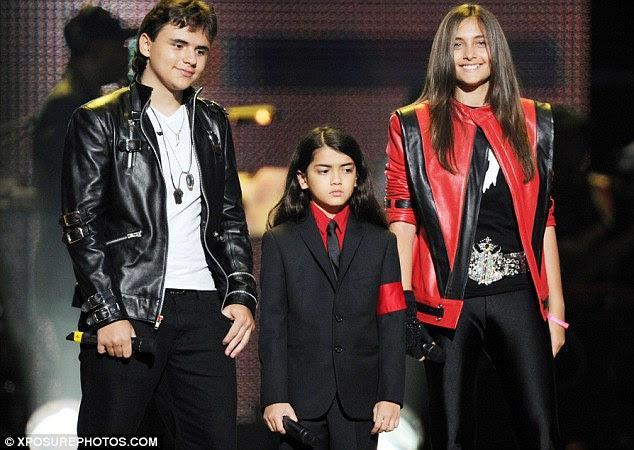 Assunto de família: Prince Michael, Paris e Blanket, retratado no ano passado, serão todos lembrar de seu pai no Teatro Chinês Grauman