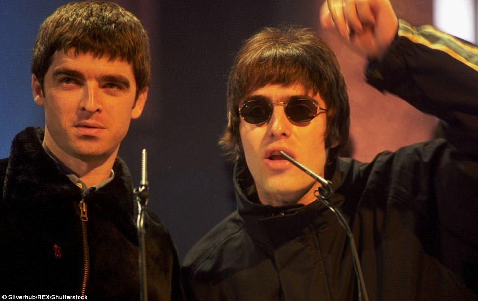 Decepcionado: apesar de sua aparência ter sido emocionante para os fãs, muitos ficaram desapontados com a ausência de Noel - o que significa que não houve reunião do Oasis